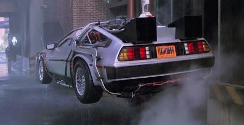 ^ DeLorean DMC-12. Känd från Robynlåt och David Lagercrantz dagbok.
